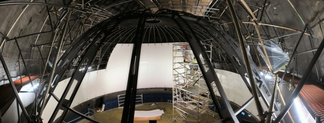 Brisbane Planetarium Panels Going Up
