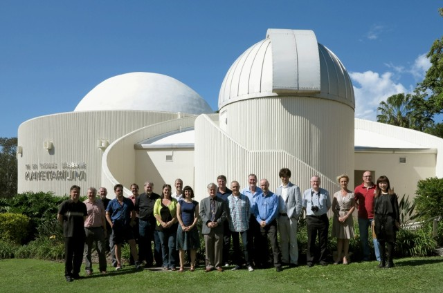 APS 2013 Group Photo at Brisbane Planetarium
