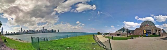 Panorama Adler Planetarium and Chicago skyline_Nick Lomb