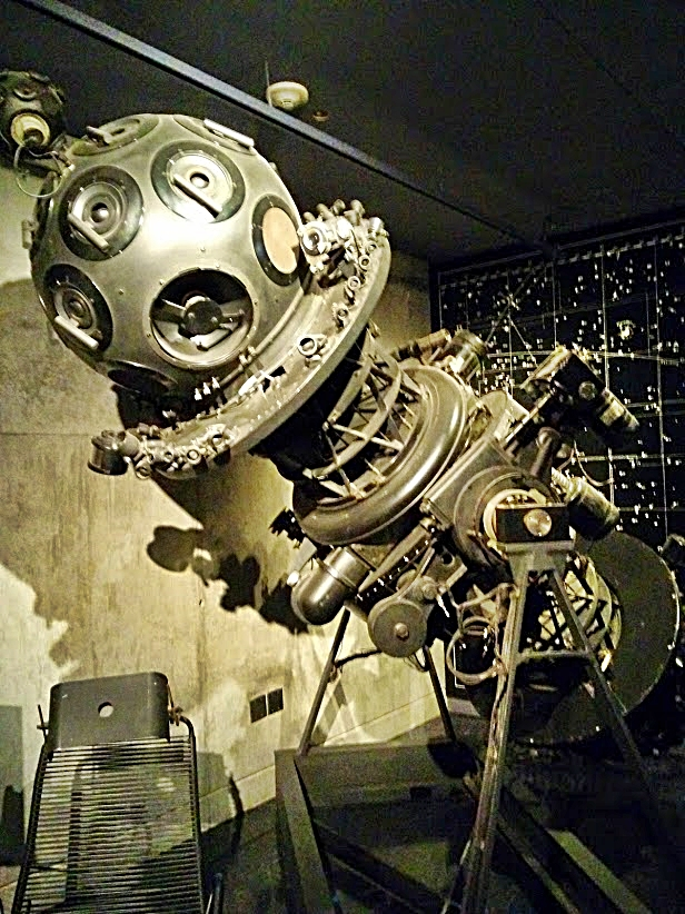 The old Zeiss Mark IV planetarium projector_Nick Lomb